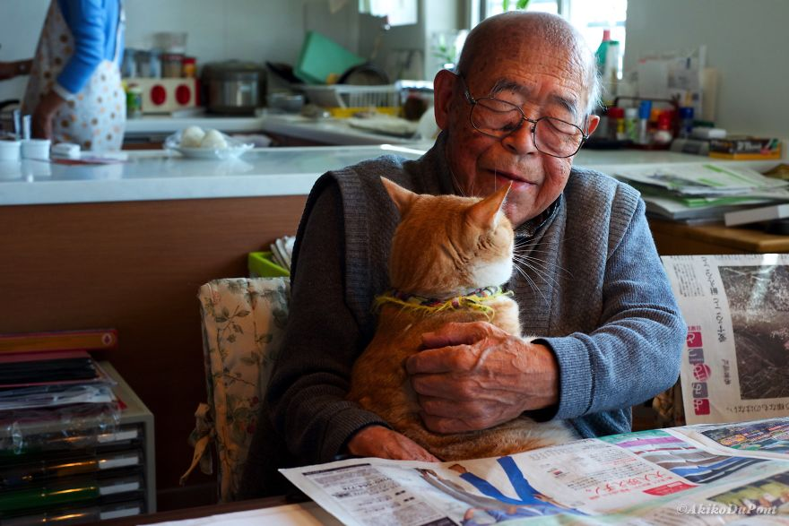cat-and-grandpa-1